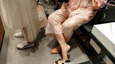 视频金币超市  短丝平底鞋MM试穿凉鞋[02:21] 街拍第一站全网原创独发!