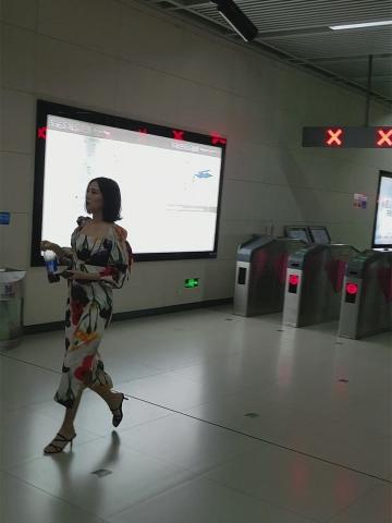 模拍视频153 绝非网红能比的极品美 女 - BBC视频- 街拍第一站