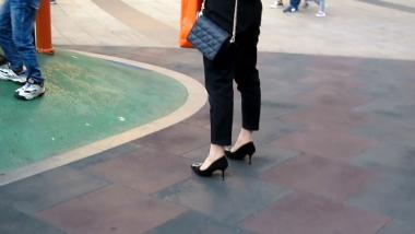 小胡视频  小胡发布-- 丝 袜长腿高跟 301 街拍第一站全网原创独发!