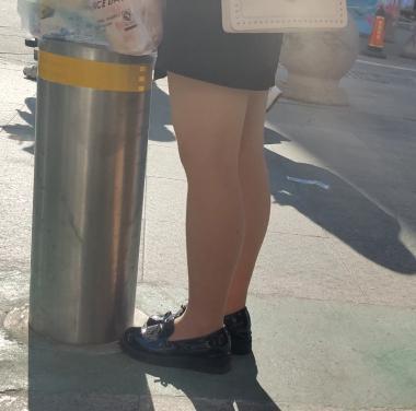 丝腿视频逆光等人的肉 丝 - prada视频- 街拍第一站