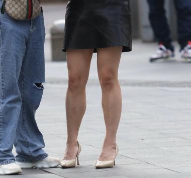 【珏一笑而过】皮裙高跟少 妇-13P - VIP街拍图片发布- 街拍第一站