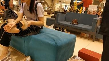 船袜视频俏皮的嫩足船袜小美 女试穿高跟鞋[02:57] - 洗面奶视频- 街拍第一站