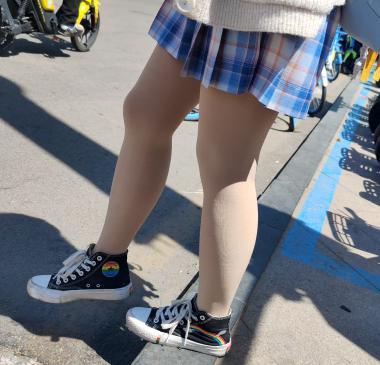 prada视频  4k近拍极品短裙学妹肉 丝 街拍第一站全网原创独发!