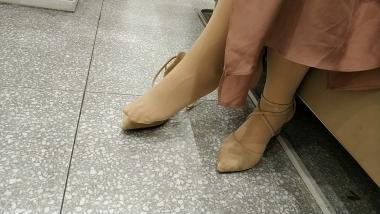 洗面奶视频  连{**裤袜}肉 丝MM试穿短靴[03:40] 街拍第一站全网原创独发!