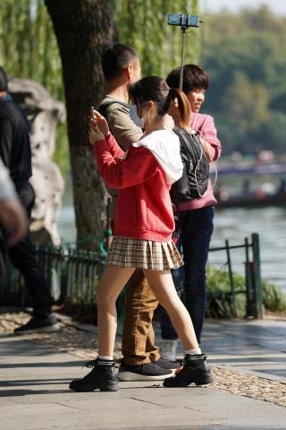 【马丁哥】红衣JK裙 - VIP街拍图片发布- 街拍第一站