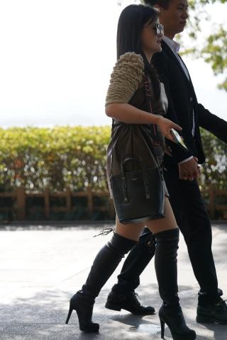 【马丁哥】高筒皮靴 - VIP街拍图片发布- 街拍第一站