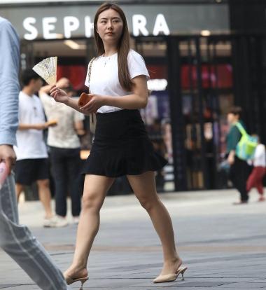 【珏一笑而过】漂亮黑裙高跟少 妇-13P - VIP街拍图片发布- 街拍第一站