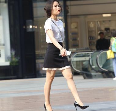 【珏一笑而过】诱惑短裙细高跟少 妇-13P - VIP街拍图片发布- 街拍第一站