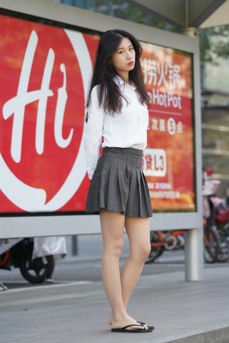 肉 丝小妹 - VIP街拍图片发布- 街拍第一站
