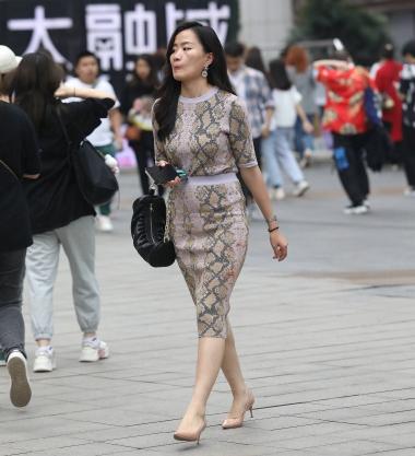 【珏一笑而过】气质高跟少 妇 - VIP街拍图片发布- 街拍第一站