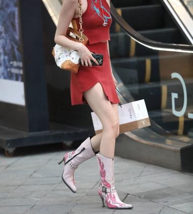 【珏一笑而过】诱惑短裙少 妇 - VIP街拍图片发布- 街拍第一站