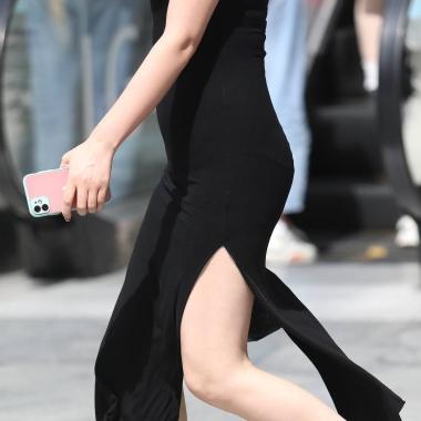 【珏一笑而过】诱惑开叉裙少 妇 - VIP街拍图片发布- 街拍第一站