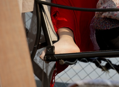 【jim2】摇椅上休息的长腿 丝美 女(15p) - VIP街拍图片发布- 街拍第一站