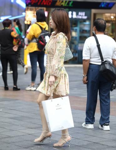 【珏一笑而过】**漂亮** - VIP街拍图片发布- 街拍第一站
