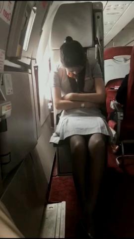 初见初心视频  打瞌睡的空姐被发现了  好尴尬 街拍第一站全网原创独发!