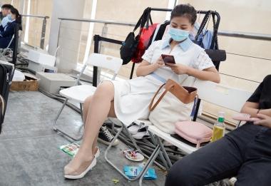 街拍图片发布  【jim2】白裙的肉 丝长腿美 女(16p) 街拍第一站全网原创独发!