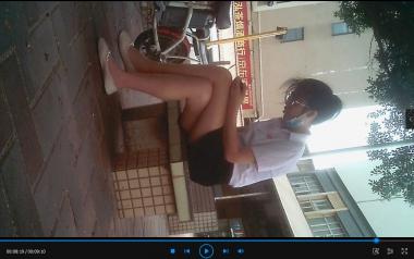苏大熊视频  **小姐姐沉迷手机(9分10秒) 街拍第一站全网原创独发!